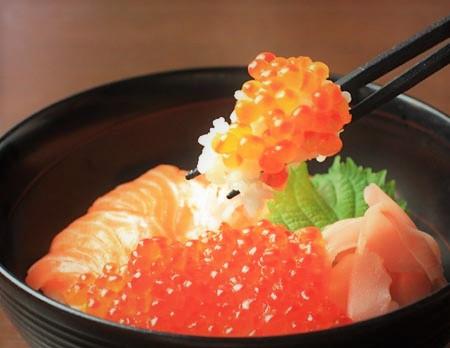 サーモン丼1.jpg