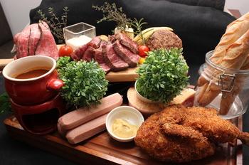 【7月限定】幹事様お料理代無料「月家の肉盛り」